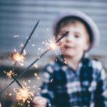 Hoe zorg je ervoor dat je kind veilig vuurwerk afsteekt?